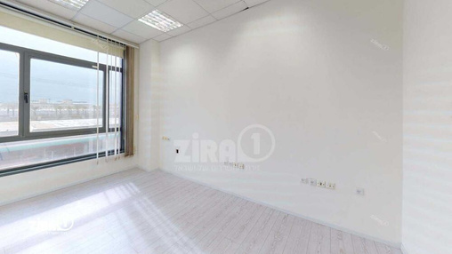 משרד בבניין בית אדר | קומה 1 | שטח 165מ״ר  | תמונה #21 - 1