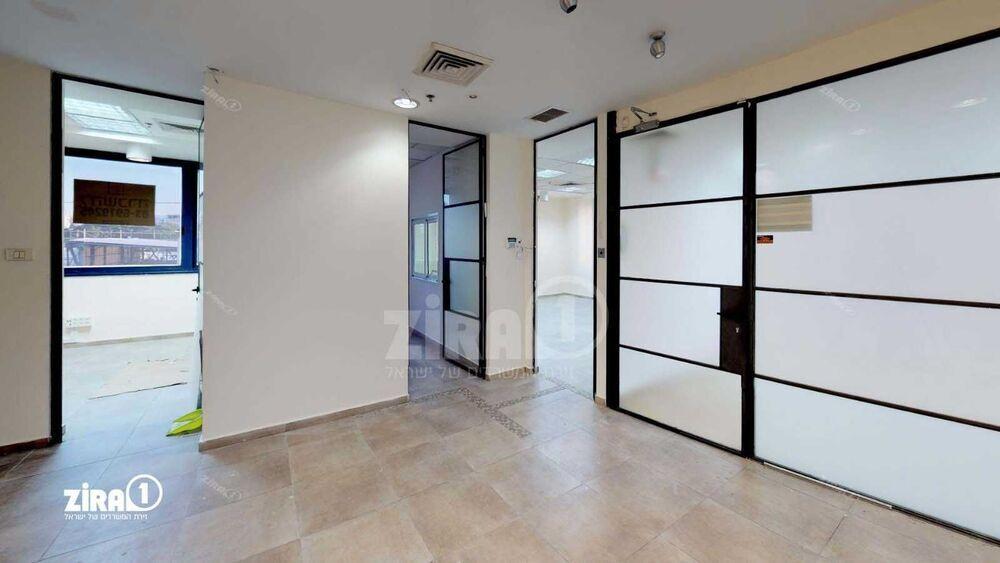 משרד בבניין בית חסון   קומה 2   שטח 310מ״ר    תמונה #0 - 1