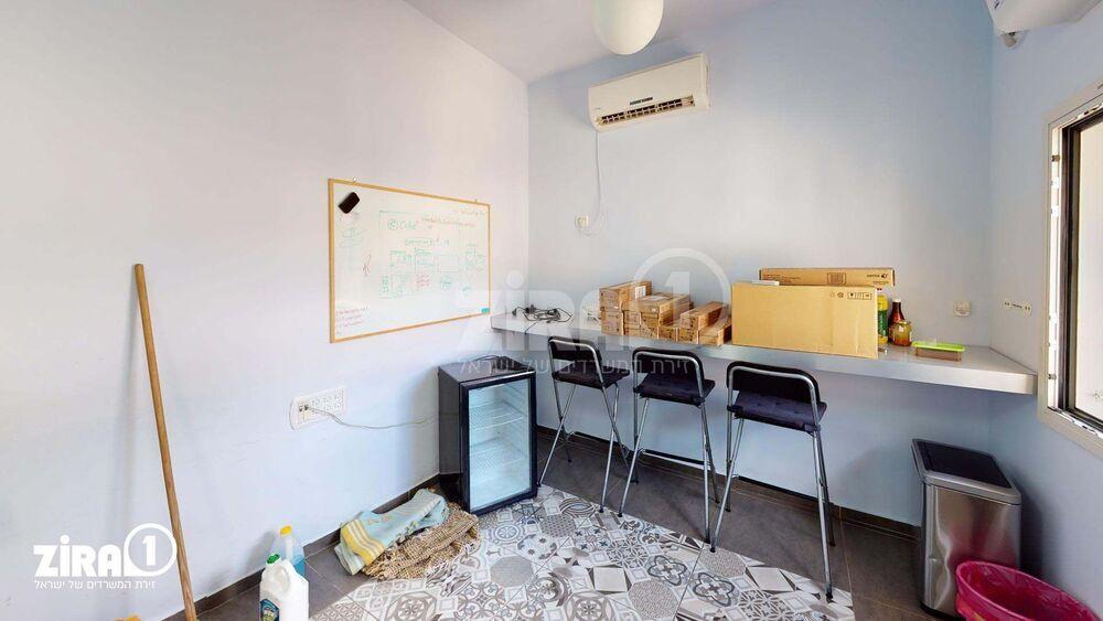 משרד בבניין בית הרשקוביץ | קומה 2 | שטח 15מ״ר  | תמונה #0 - 1
