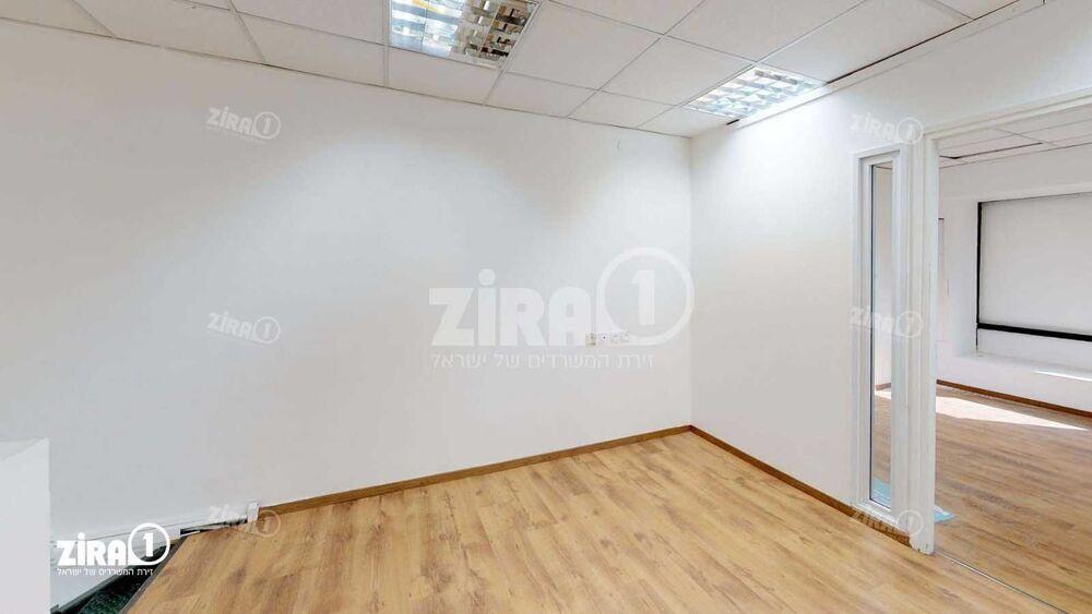 משרד בבניין בית קיטל   קומה 0   שטח 180מ״ר    תמונה #0 - 1