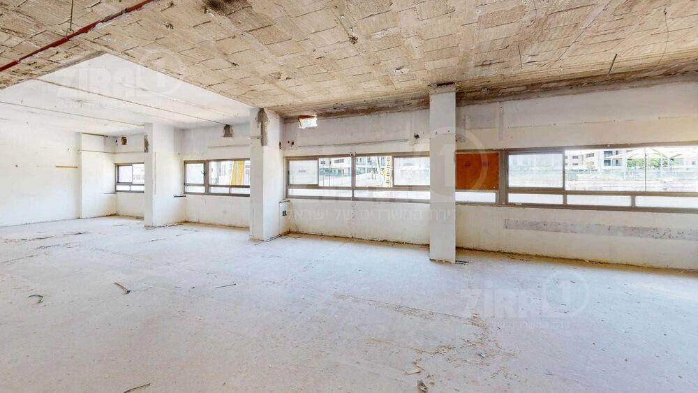 משרד בבניין דרך מנחם בגין 55   קומה 1   שטח 780מ״ר    תמונה #0 - 1