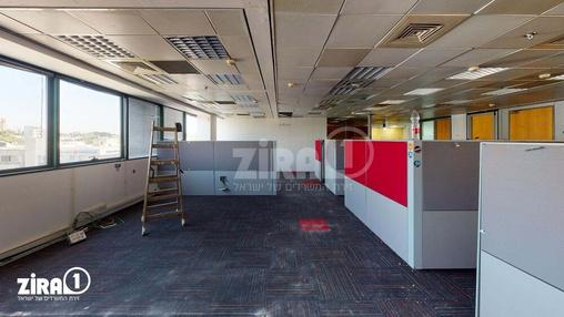 משרד בבניין הלויל סלע 2000 | קומה 3 | שטח 273מ״ר  | תמונה #8 - 1