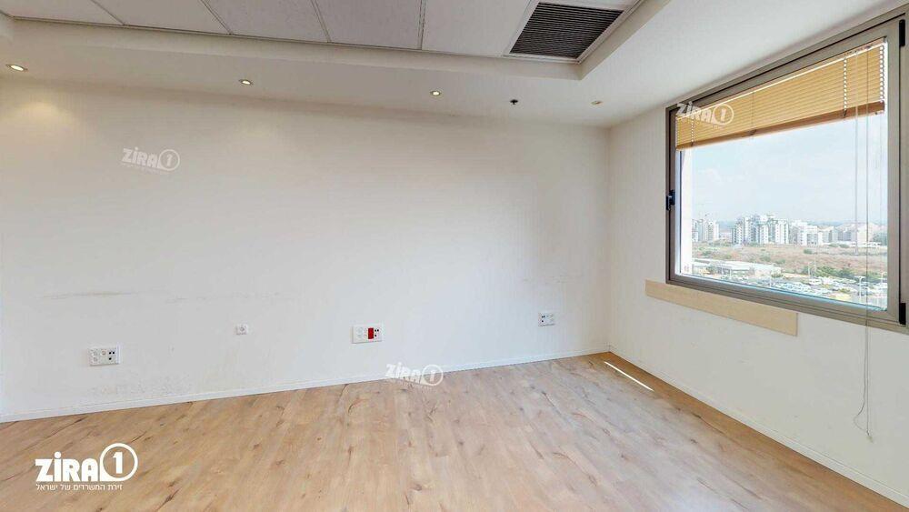 משרד בבניין בית המילניום    קומה: 8   שטח 413 תמונה   מ׳׳ר #18 - 1