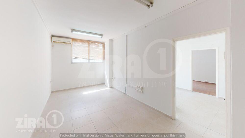 משרד בבניין דרך מנחם בגין 55 | קומה 1 | שטח 60מ״ר  | תמונה #0 - 1