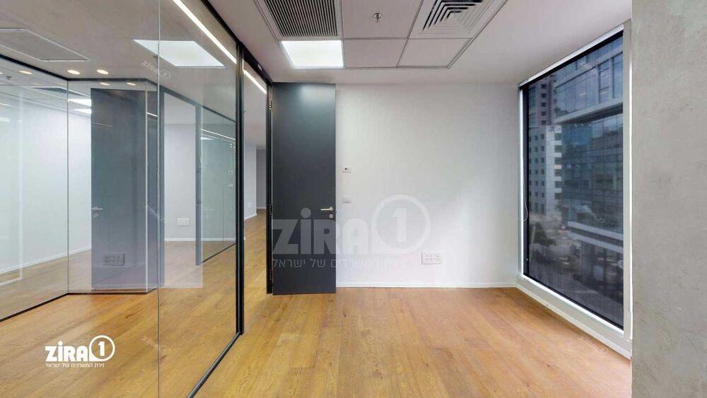 משרד בבניין מתחם CU - סי יו בניין B   קומה 2   שטח 174מ״ר    תמונה #0 - 1