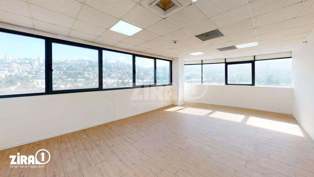 משרד בבניין בית אמיר  | קומה 5 | שטח 110מ״ר  | תמונה #0 - 1