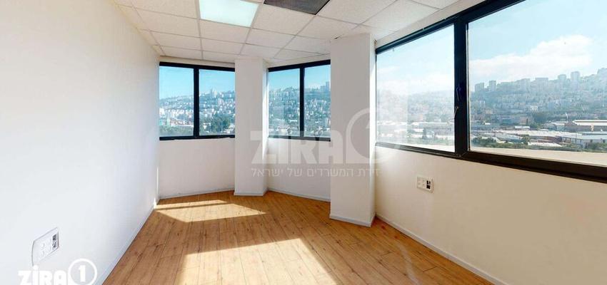 משרד בבניין בית אמיר  | קומה 5 | שטח 22מ״ר  | תמונה #0 - 1