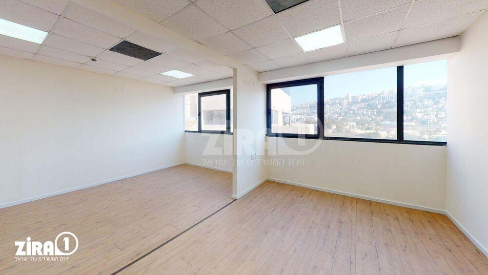 משרד בבניין בית אמיר  | קומה 5 | שטח 45מ״ר  | תמונה #0 - 1