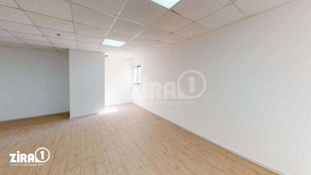 משרד בבניין בית אמיר    קומה 5   שטח 50מ״ר    תמונה #0 - 1