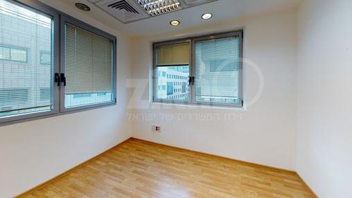 משרד בבניין הארד 5   קומה 3   שטח 166מ״ר    תמונה #20 - 1