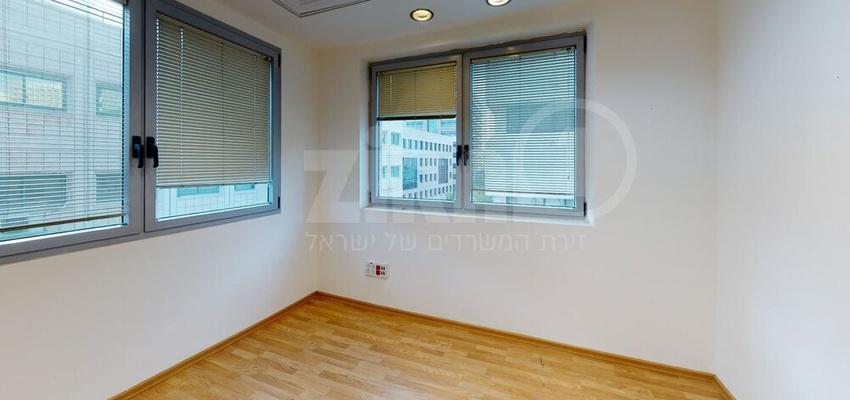 משרד בבניין הארד 5 | קומה 3 | שטח 166מ״ר  | תמונה #0 - 1