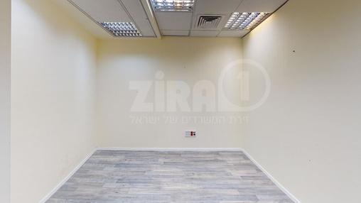 משרד בבניין הארד 5   קומה 3   שטח 60מ״ר    תמונה #21 - 1