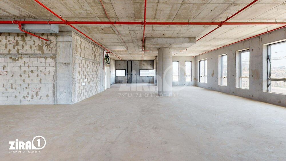 משרד בבניין מגדל בר כוכבא | קומה: 5 | שטח 1000 תמונה | מ׳׳ר #0 - 51