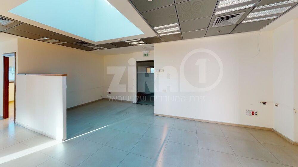 משרד בבניין הארד 5 | קומה 5 | שטח 144מ״ר  | תמונה #0 - 1