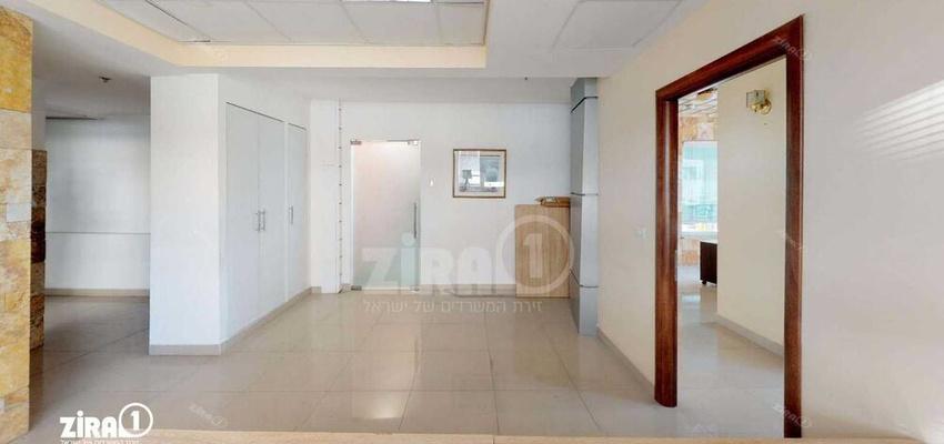 משרד בבניין בית נאור | קומה 1 | שטח 113מ״ר  | תמונה #0 - 1