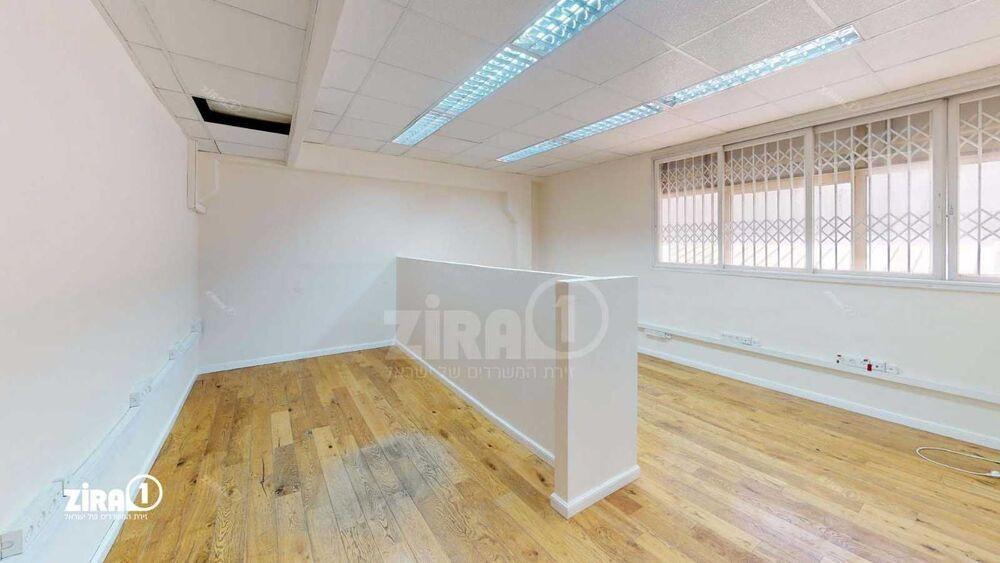 משרד בבניין בית קובי   קומה: 1   שטח 211 תמונה   מ׳׳ר #6 - 1