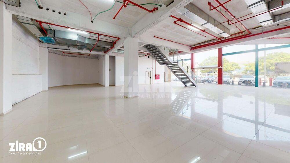 משרד בבניין בניין החרש | קומה: 0 | שטח 1300 תמונה | מ׳׳ר #18 - 1