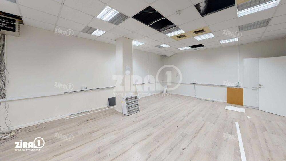 משרד בבניין בית אשבד | קומה: 2 | שטח 790 תמונה | מ׳׳ר #19 - 1
