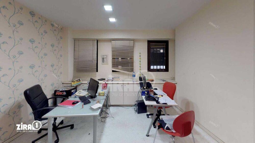 משרד בבניין בית רנו | קומה 3 | שטח 251מ״ר  | תמונה #0 - 1