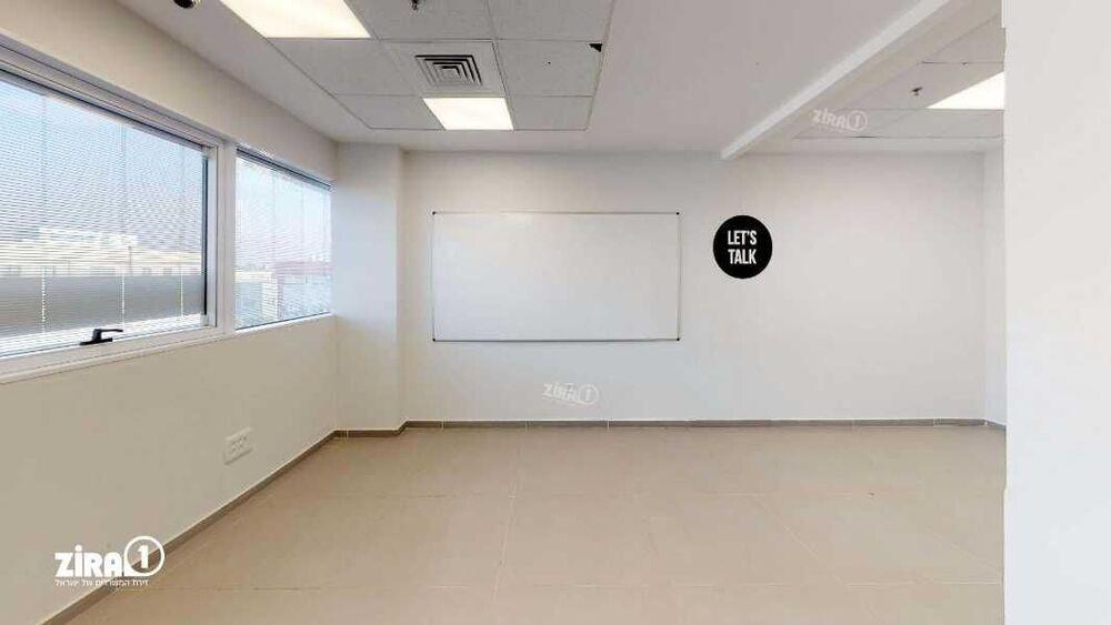 משרד בבניין בית אהרון | קומה 2 | שטח 210מ״ר  | תמונה #0 - 1
