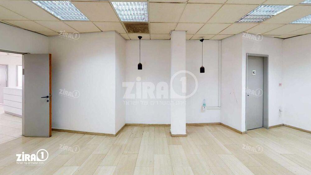 משרד בבניין גינזבורג 12 | קומה: 1 | שטח 400 תמונה | מ׳׳ר #7 - 1