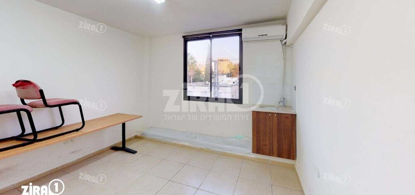 משרד בבניין בית קלאוזנר | קומה 3 | שטח 42מ״ר  | תמונה #0 - 1