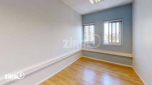 משרד בבניין ביזנס סנטר | קומה 6 | שטח 13מ״ר  | תמונה #1 - 1