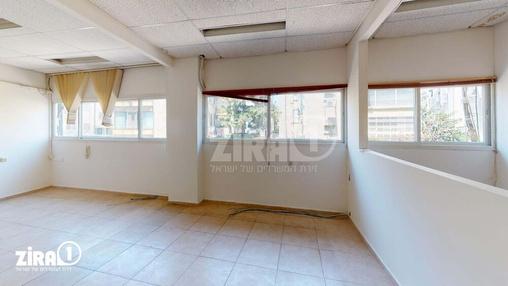 משרד בבניין ה' באייר 70 | קומה 1 | שטח 160מ״ר  | תמונה #0 - 1