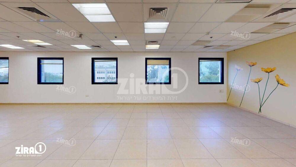 משרד בבניין בית תמר    קומה 3   שטח 360מ״ר    תמונה #0 - 1