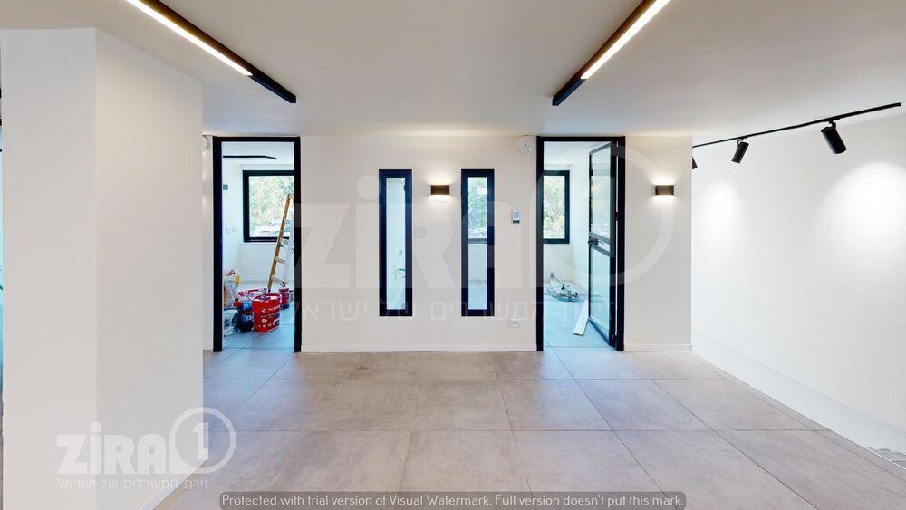 משרד בבניין קיבוץ גלויות 75   קומה 0   שטח 130מ״ר    תמונה #0 - 1