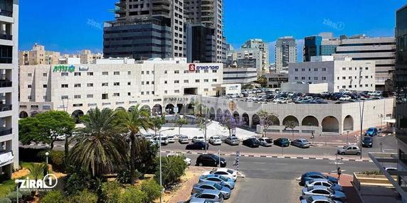 בניין בניין מרכז הקריה באשדוד | רמת הבניין classB | תמונה #1 - 1