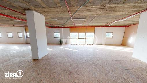 משרד בבניין המלאכה 7   קומה 1   שטח 300מ״ר    תמונה #1 - 1