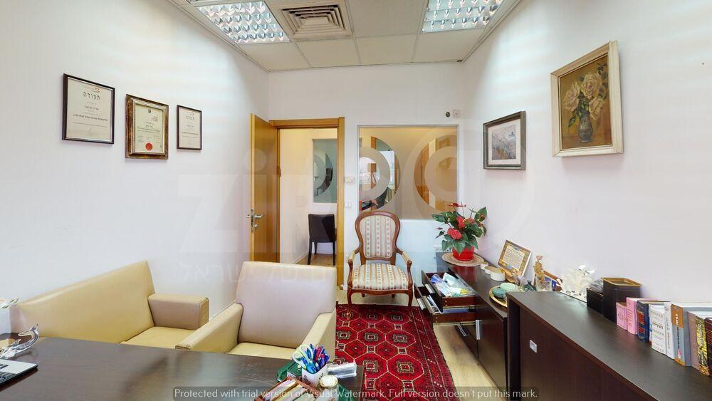 משרד בבניין בית גיבור ספורט  | קומה 22 | שטח 300מ״ר  | תמונה #0 - 1