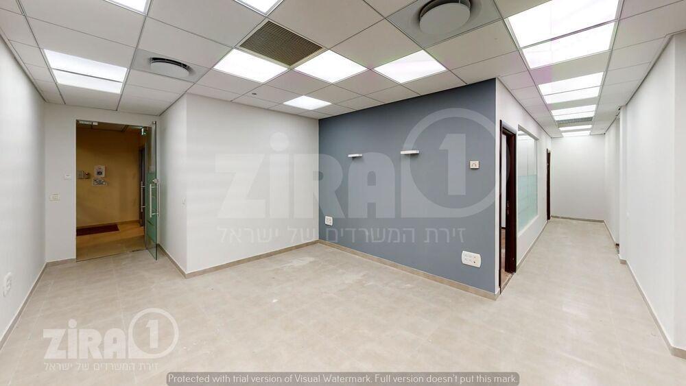משרד בבניין מגדל משה אביב | קומה 37 | שטח 232מ״ר  | תמונה #0 - 1