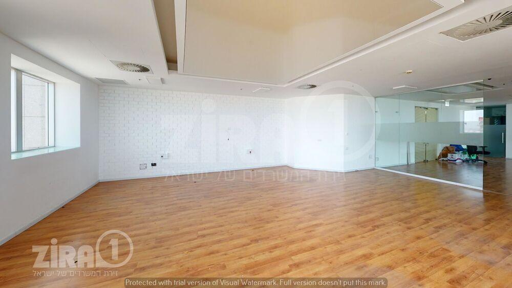 משרד בבניין מגדל משה אביב | קומה 45 | שטח 280מ״ר  | תמונה #0 - 1