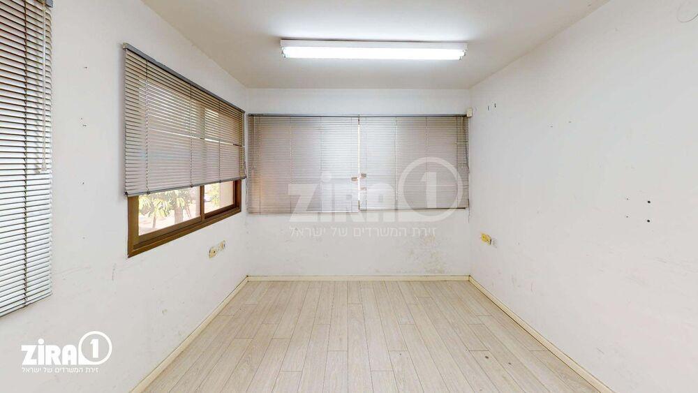 משרד בבניין בית בר   קומה 1   שטח 100מ״ר    תמונה #0 - 1
