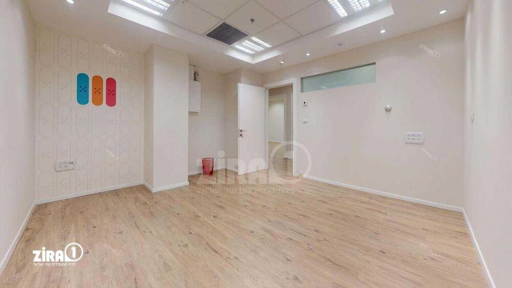 משרד בבניין מעוף  | קומה 0 | שטח 140מ״ר  | תמונה #0 - 1