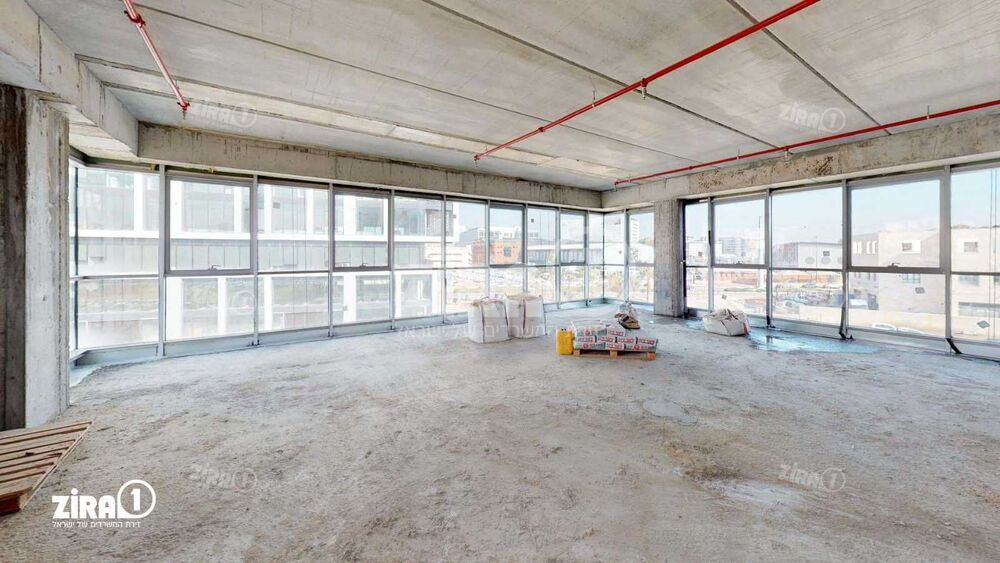 משרד בבניין בית אלפא | קומה: 2 | שטח 400 תמונה | מ׳׳ר #10 - 1