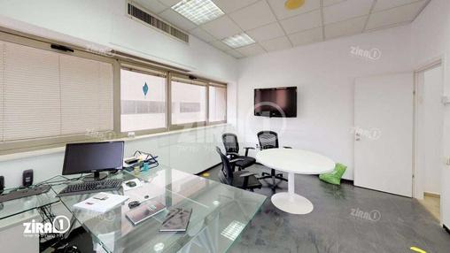 משרד בבניין בית Zap Group | קומה 1 | שטח 400מ״ר  | תמונה #2 - 1