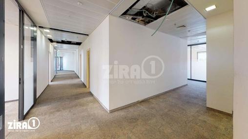 משרד בבניין בניין B4 קריית שדה התעופה | קומה 2 | שטח 960מ״ר  | תמונה #1 - 1