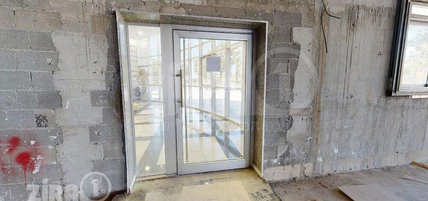 משרד בבניין בית אמצור   קומה 0   שטח 780מ״ר    תמונה #0 - 1