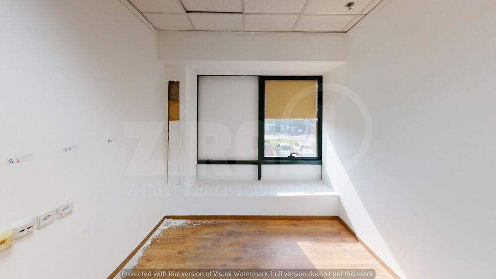 משרד בבניין בית קיטל   קומה 0   שטח 150מ״ר    תמונה #0 - 1
