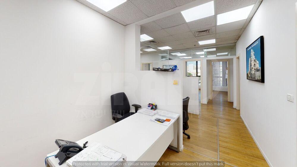 משרד בבניין בית קיטל   קומה 1   שטח 250מ״ר    תמונה #0 - 1