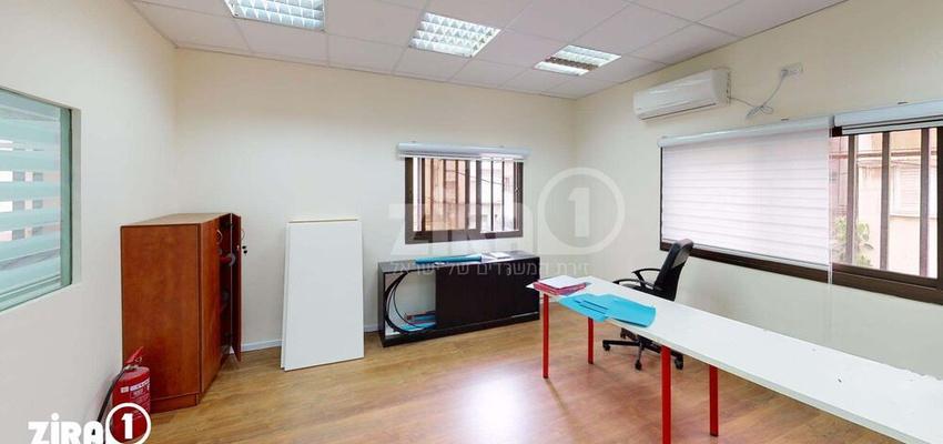 משרד בבניין בית התעשיינים   קומה 1   שטח 60מ״ר    תמונה #0 - 1