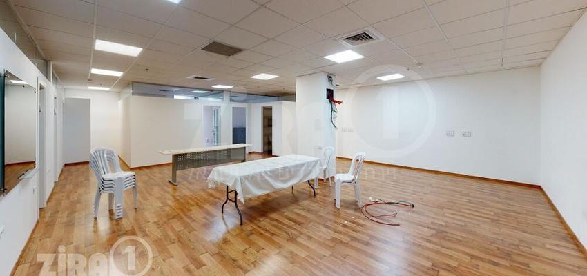 משרד בבניין טקסטיל סנטר   קומה 2   שטח 158מ״ר    תמונה #0 - 1