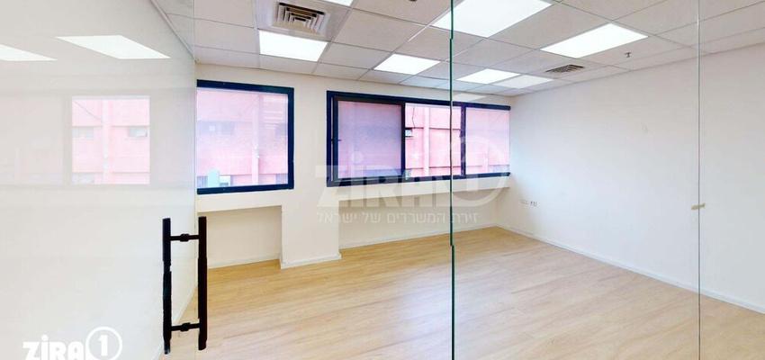 משרד בבניין בית דנ-אביב | קומה 2 | שטח 75מ״ר  | תמונה #0 - 1