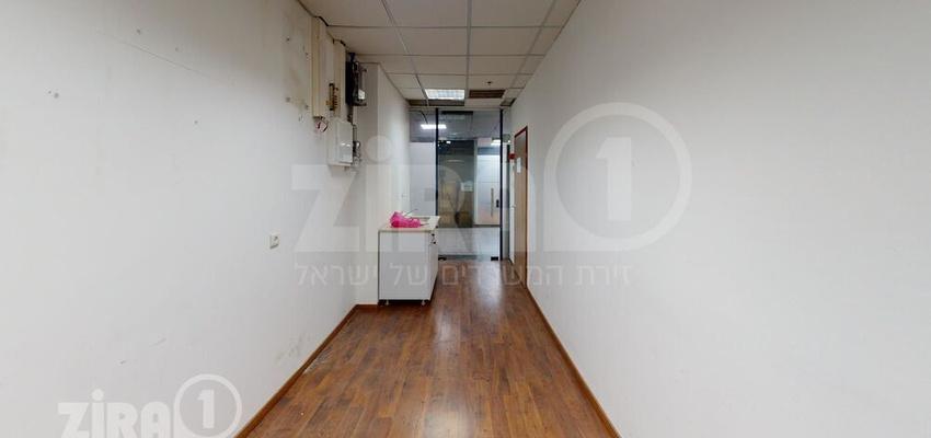 משרד בבניין טקסטיל סנטר | קומה 2 | שטח 93מ״ר  | תמונה #0 - 1