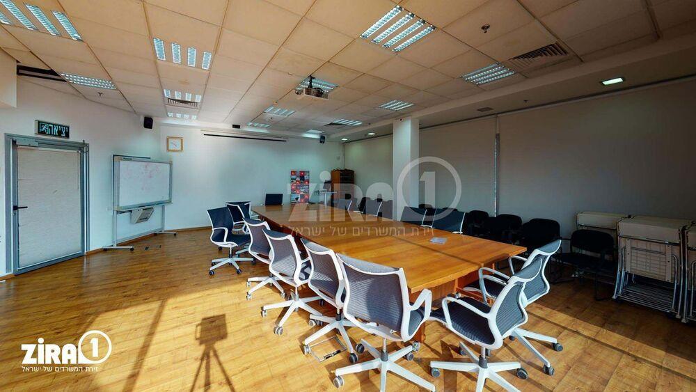 משרד בבניין בית אוריין | קומה 4 | שטח 250מ״ר  | תמונה #0 - 1