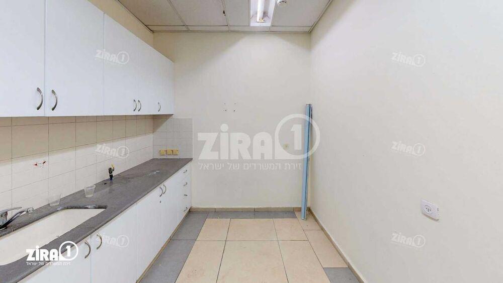 משרד בבניין מגדלי זיו- בניין B | קומה 1 | שטח 1100מ״ר  | תמונה #0 - 1
