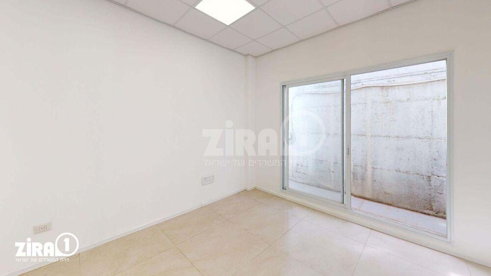 משרד בבניין בניין קורן 2 | קומה 8 | שטח 74מ״ר  | תמונה #0 - 1